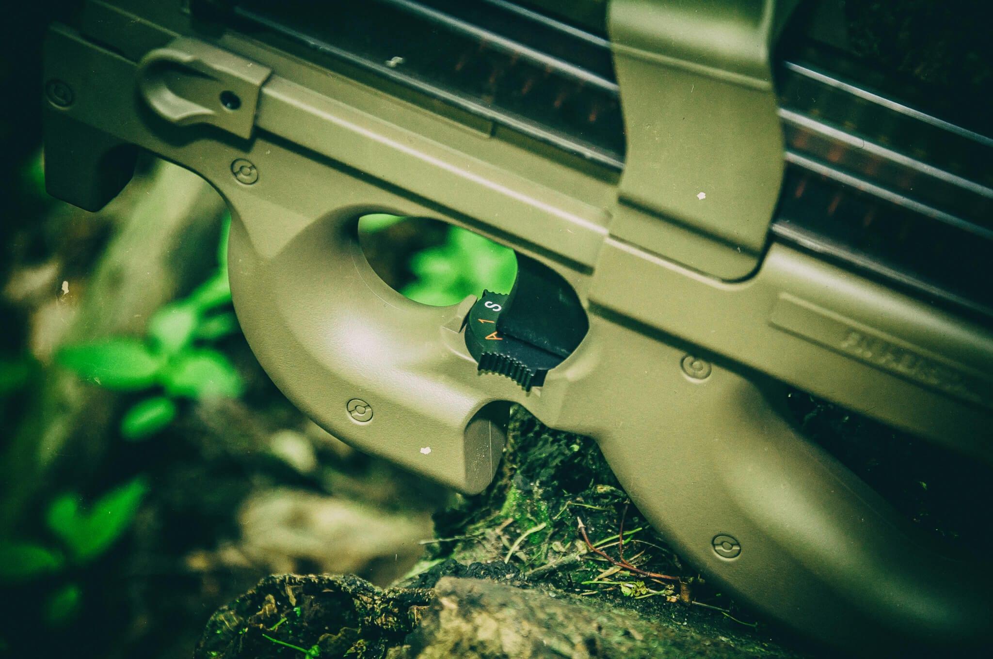 Selektor trybu ognia FN P90 Cybergun replika AEG