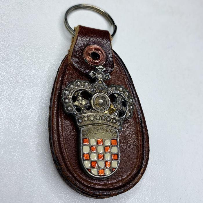 Croatia CRO Police Croatian Armed FORCES Army Vintage key breast Badge Leather 6