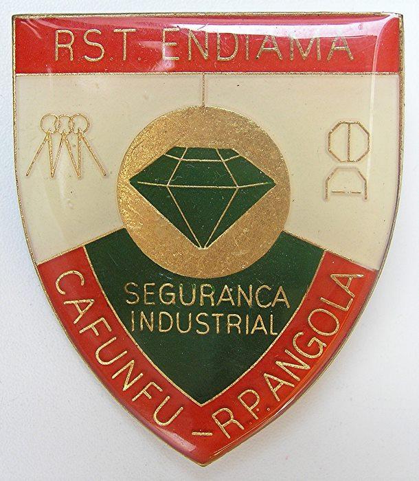 ANGOLA Africa Diamond Mining Company RST Roan Selection enamel Flash Badge 1986