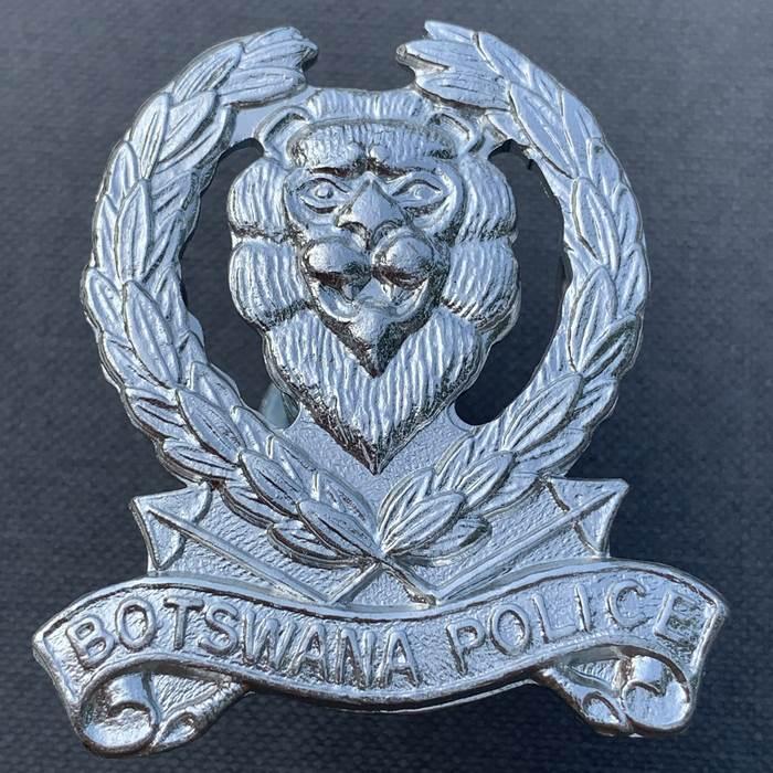 BOTSWANA Africa Police Cap Badge Insignia