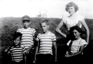 From Left to Right: John, Larry, Tom, Shari, and Nicki Shellenberger (Author photo)