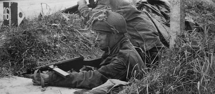 https://i0.wp.com/militaryhistorynow.com/wp-content/uploads/2013/12/Sten-1.jpg