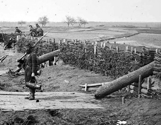 These logs looked enough like cannons from a distance to fool the Union army into thinking this rebel position was bristling with artillery.