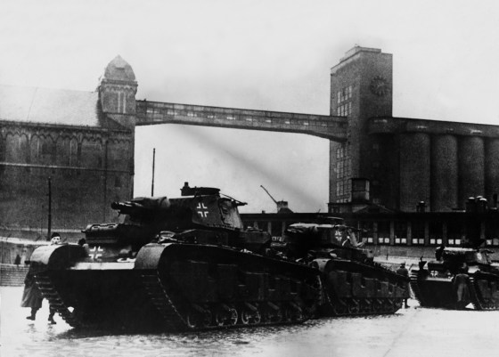 The Neubaufahrzeugs come ashore in Oslo, Norway. 1940. (Image source: GermanWarMachine.com)