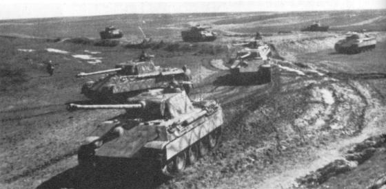 Panther tanks at Kursk, 1943. (image source: German Federal Archive)