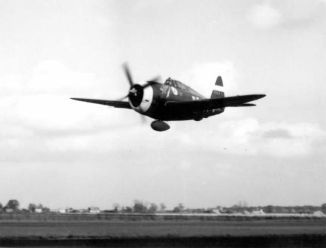 Although big and heavy, the Thunderbolt could keep up with the fastest fighters of the war. (Image source: WikiCommons)