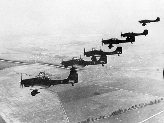 German Stukas over Poland, 1939. (Image source: German Federal Archives)