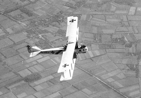 The Gotha G.V -- an early strategic bomber. (Image source: WikiCommons)