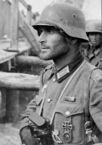 A German officer wears his Iron Cross First Class at Stalingrad. (Image source: Pinterist)