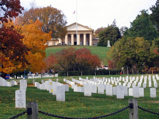 Arlington National Cemetery. (image source: WikiCommons)