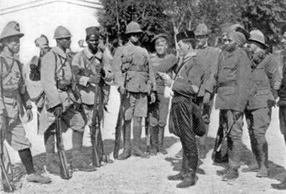 An assortment of Entente regulars and colonial troops in Macedonia. (Image source: WikiCommons)