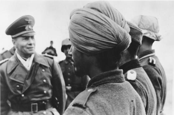 Rommel inspects the soldiers of the Tiger Legion. (Image Source: German Federal Archive via WikiCommons)