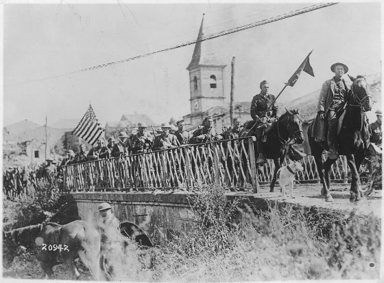 American troops march into action at St. Mihiel. (Image source: WikiCommons)