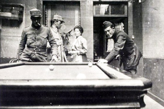 Victor Chapman (centre) and Kiffin Rockwell (right) enjoy some time away from the front in 1916, (Image source: David Hanna)