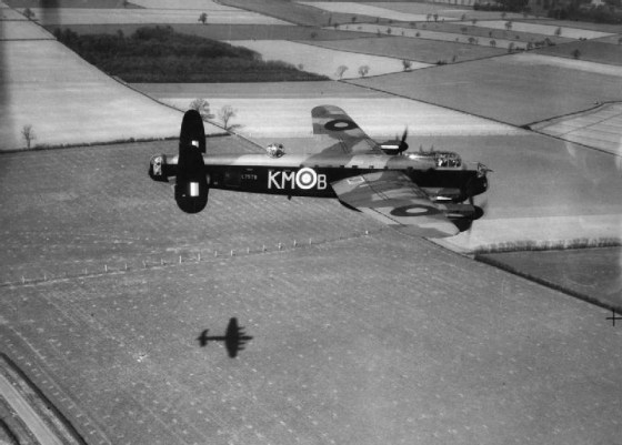 A Lancaster on a low-level mission. (Image source: WikiCommons)