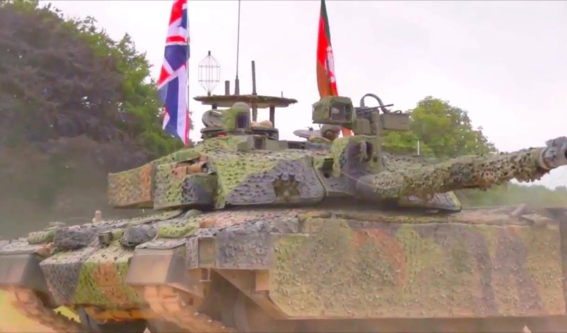 Challenger 2 TES With MCS Main Battle Tank