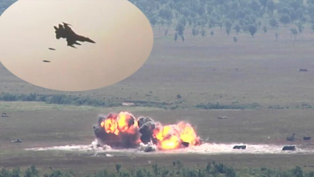F-16s Drop 500lb Bombs During Live Exercise