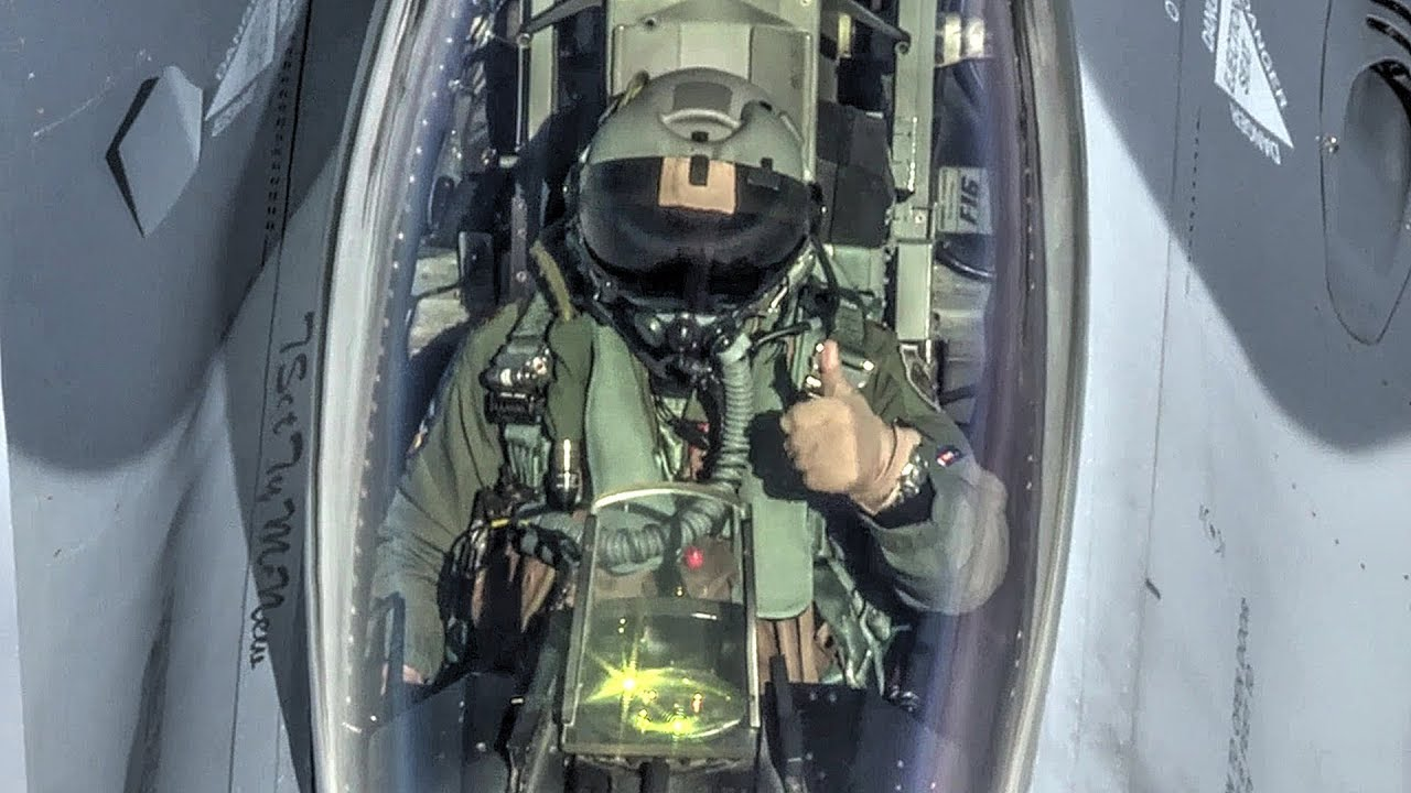 F-16 Pilots Give Cool Inflight Interviews During Air-to-Air Refueling