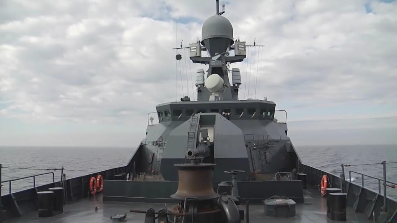 Russian corvette Soobrazitelnyy launch Redut anti-aircraft missiles