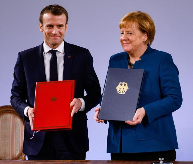 New Treaty Expands French-German Defense Ties