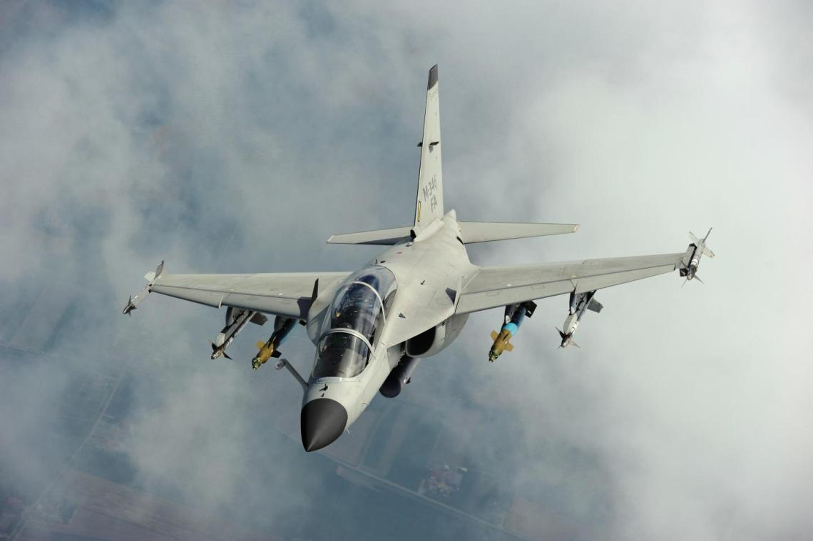 Leonardo M-346FA Makes Show Debut at Expodefensa 2019