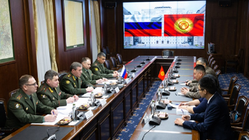 Russian Chief of the General Staff discussed with his Kyrgyz counterpart the development of the regional air defence system