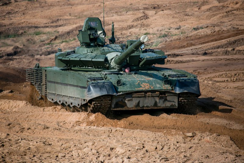 The T-80BVM is an upgraded version of the T-80BM tank, featuring an improved 125mm cannon and an enhanced 1,250 hp gas turbine engine.