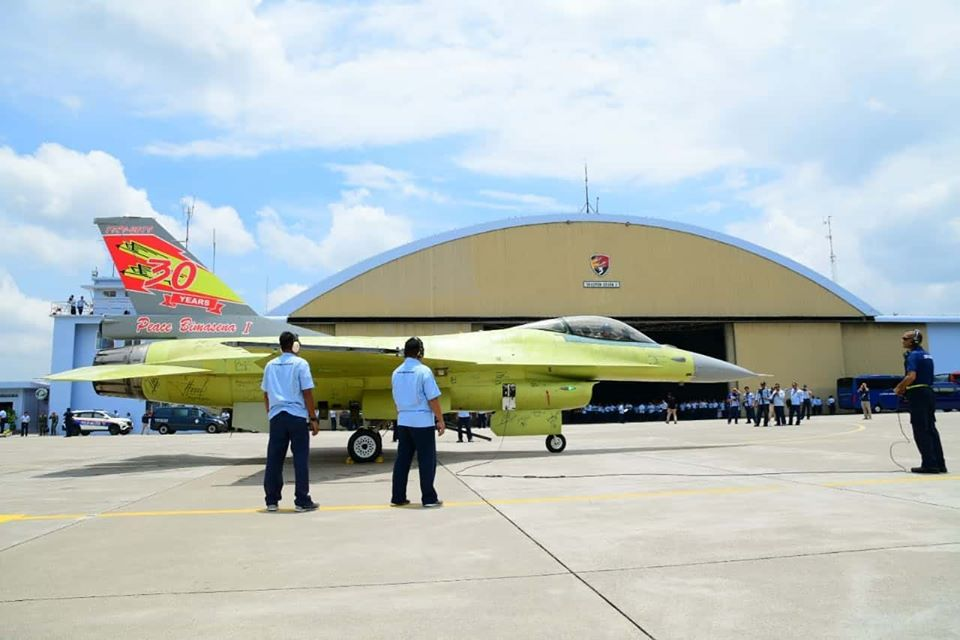 Indonesian Air Force F-16 A/B EMLU-Falcon STAR project