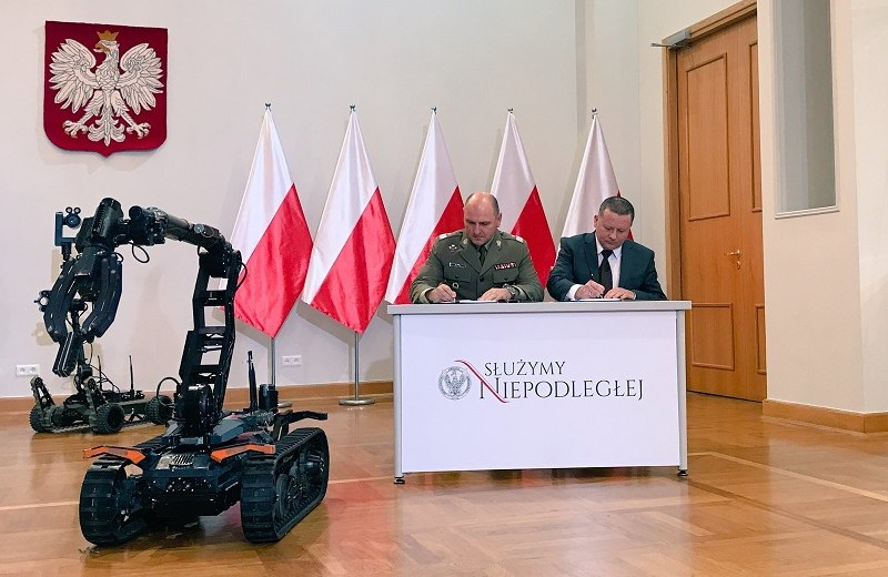 Łukasiewicz-PIAP Institute Robot Patrolowo Przenośny (RPP) 1806 engineer unmanned ground vehicle (UGV)