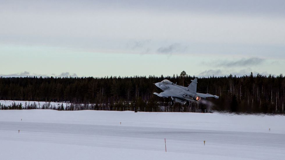 Saab Flies Gripen E to Vidsel for Cold Weather Trials