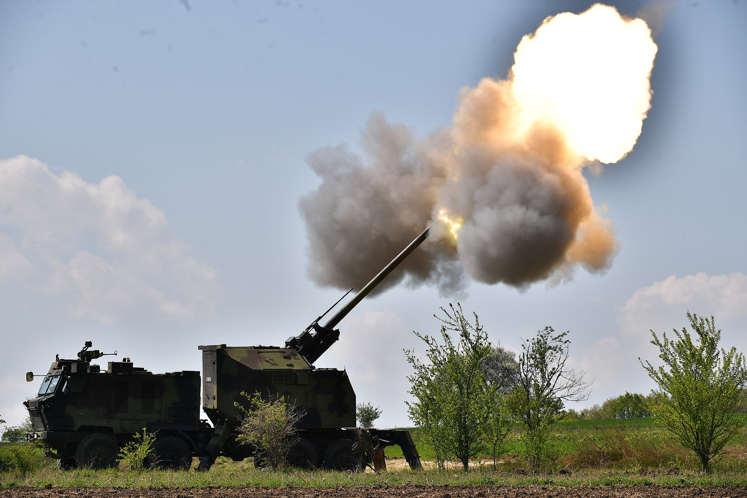 Serbian Army Extends NORA-B52 M15 Artillery Range to 40 km