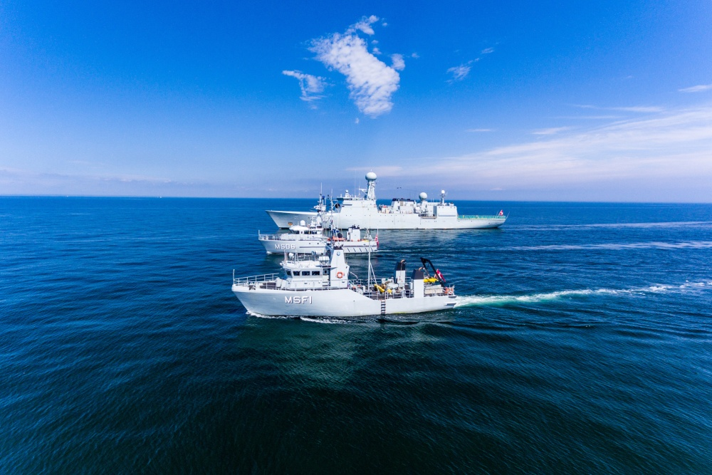 Ships assigned to Standing NATO Mine Countermeasures Group One (SNMCMG1) form together during exercise Baltic Operations (BALTOPS) 2019.
