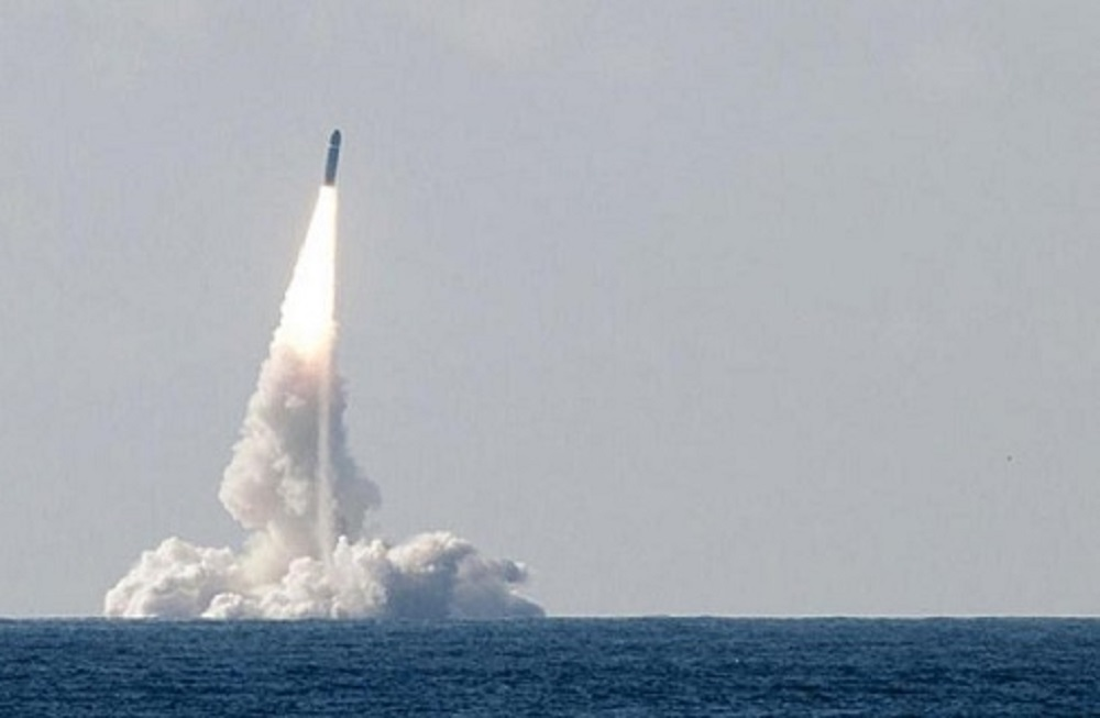 Test-fire of M51 ballistic missile from a submarine of the French Navy. (Photo: French Navy)