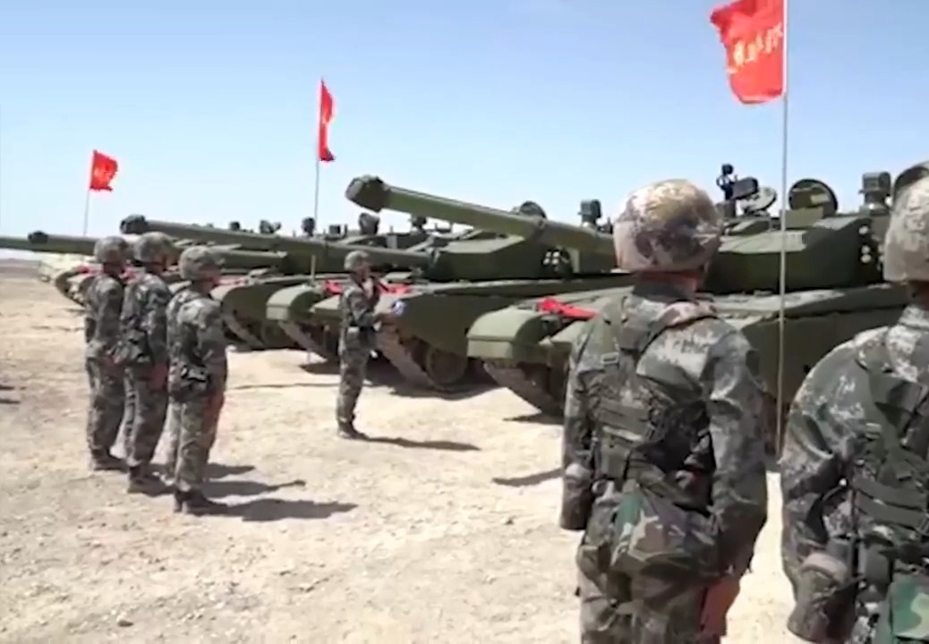 Chinese PLA 81st Group Army Receives Type 99A2 Main Battle Tanks