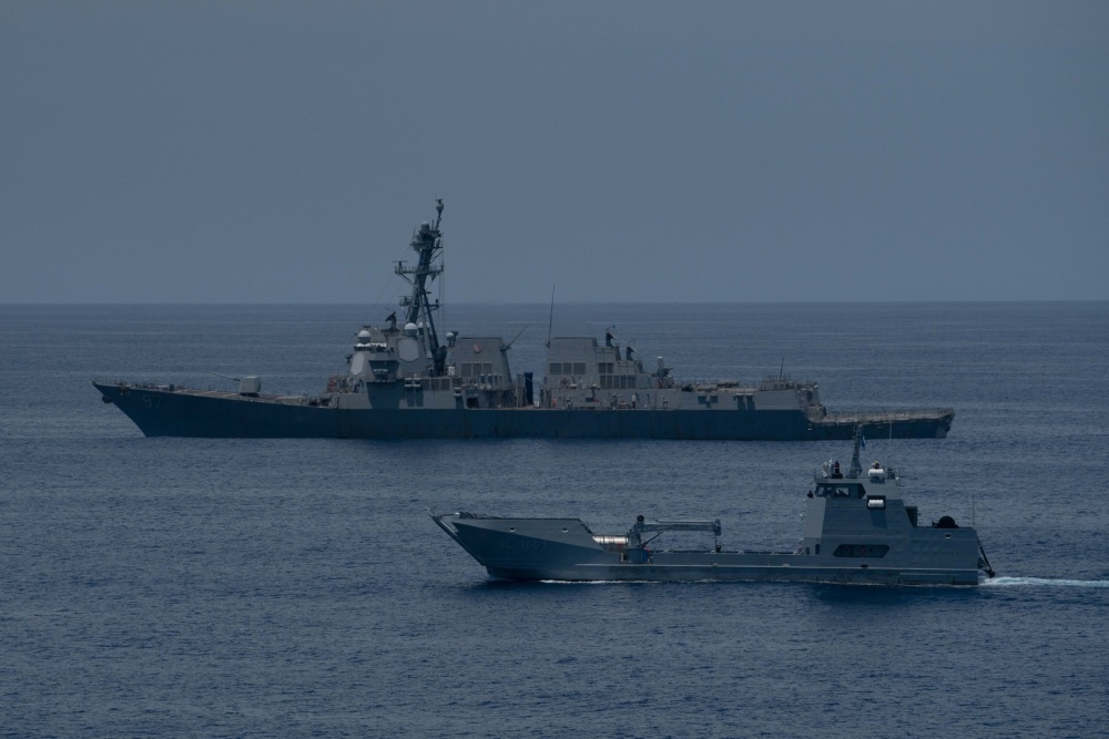US Navy USS Halsey Completes PASSEX with Guatemalan Navy
