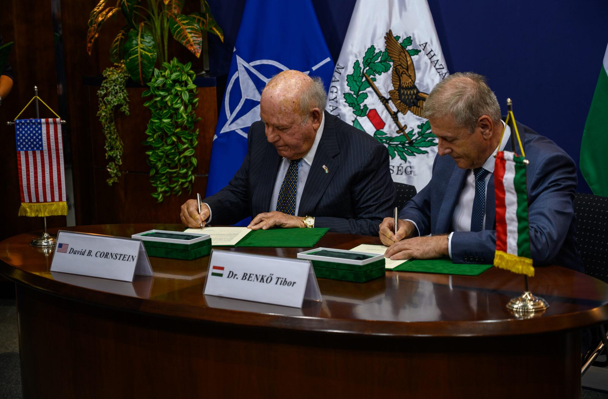 المجر تتعاقد لشراء نظام الدفاع الجوي NASAMS Hungary-to-buy-1-billion-nasams-air-defence-system