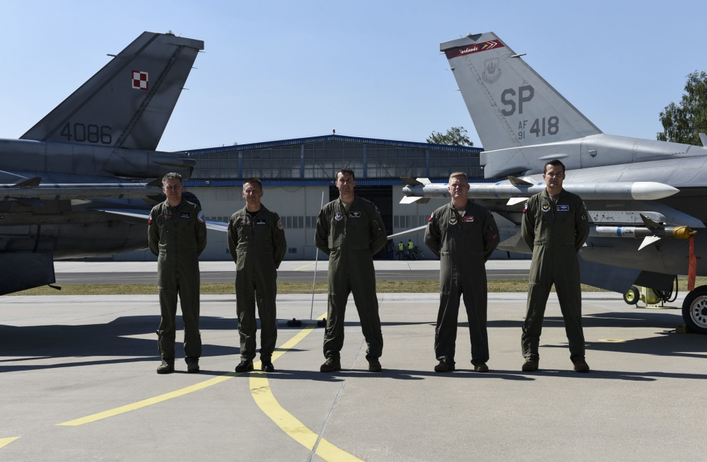 Polish, U.S. Air Forces Participate in Aviation Detachment Rotation 20.4.