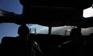 US Air Force C-17 Globemaster III Low Level Over Oahu