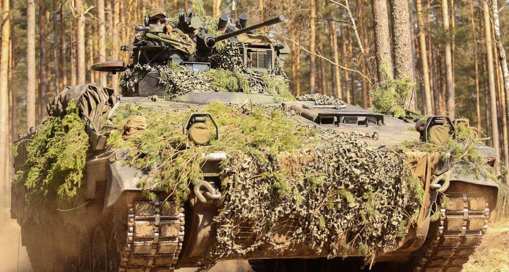 Bundeswehr Keeps Marder Infantry Fighting Vehicle in Shape