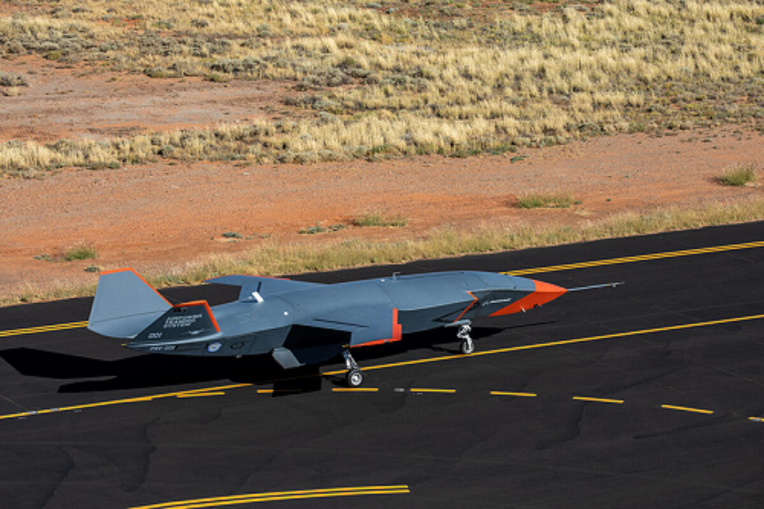 Boeing Australia Loyal Wingman Stealth UCAV Conducts First High-Speed Taxi Test