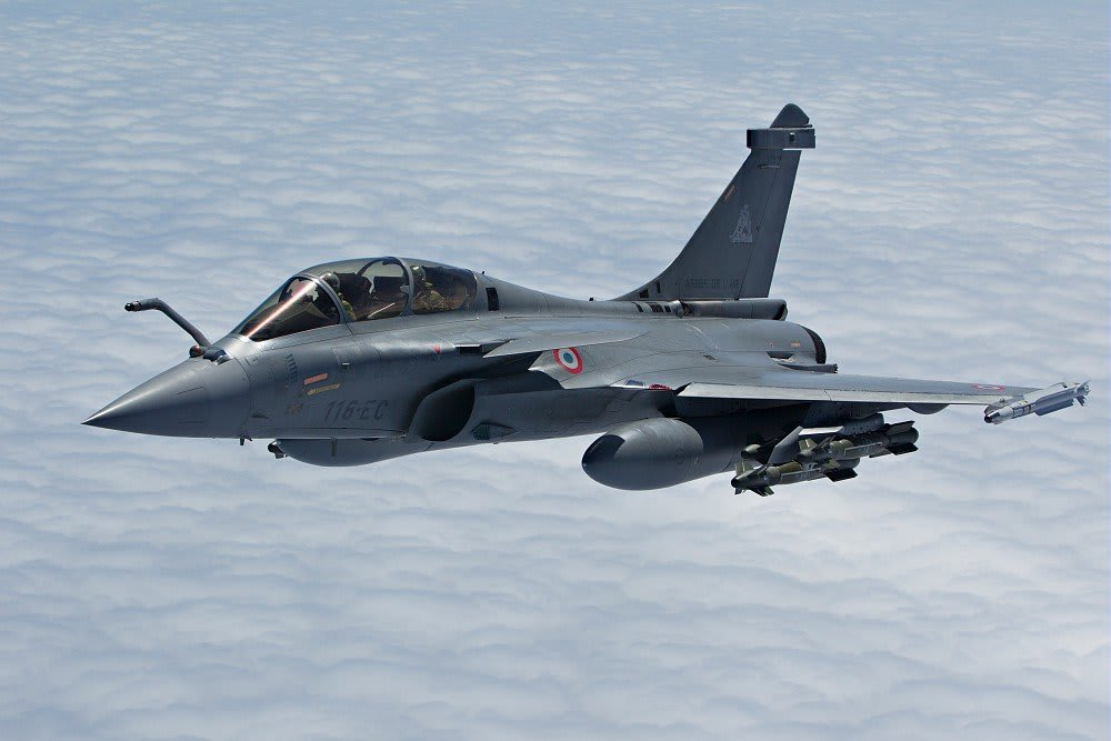 French Air Force Rafale in operations (Opération Harmattan) - Fitted with 6 AASM and MICA missiles.
