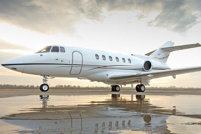 Raytheon Hawker 800XP (Extended Performance) business jet