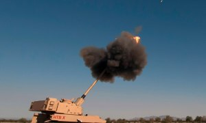 US Army 's Extended Range Cannon Artillery (ERCA) Hits Targets 70 km Away