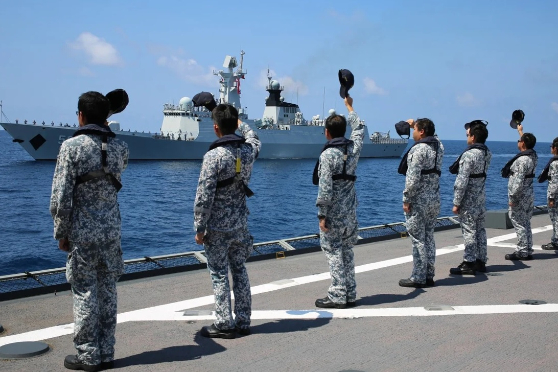 China and Singapore Navies Conduct Joint Naval Exercise
