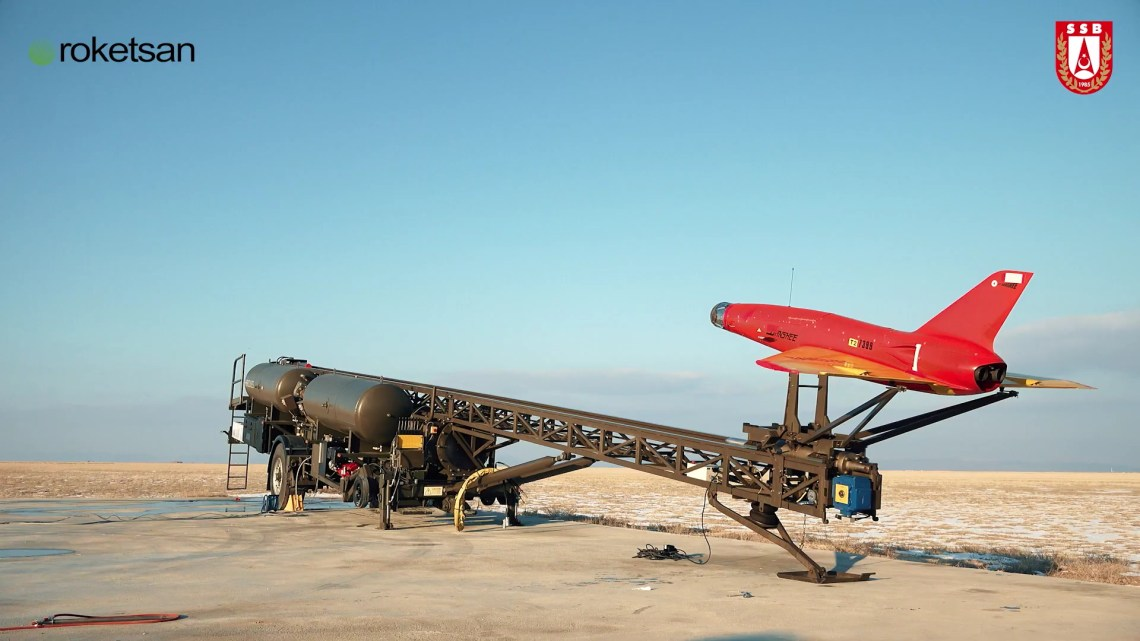 Turkey's Sungur Low-Altitude Air Defense System Hits Moving Target in Test