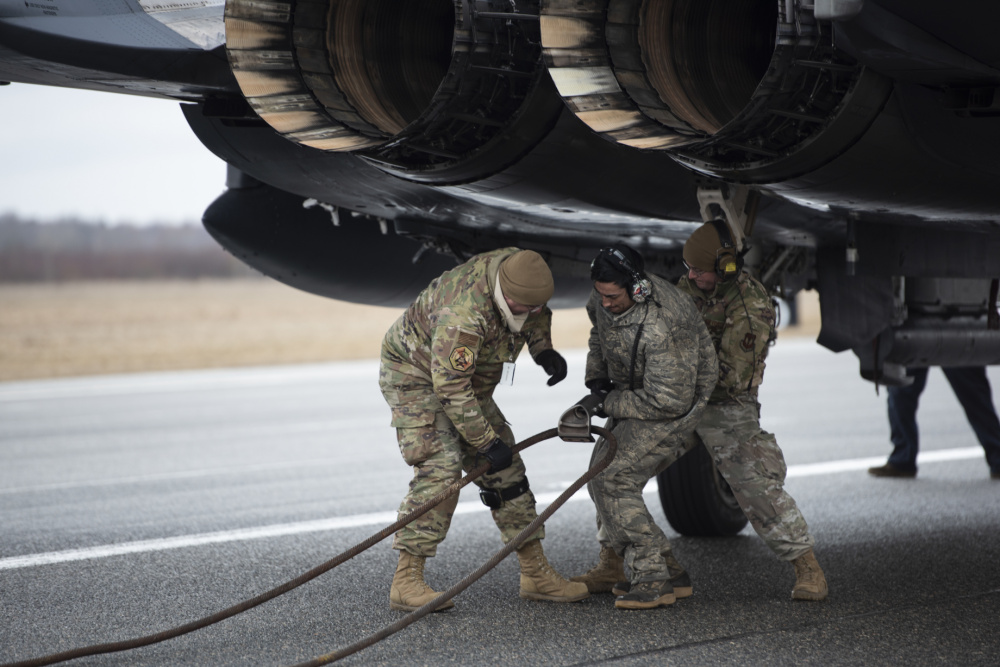 "US Air Force 492nd Fighter Squadron Certify Estonian Ã""mari Barrier Arresting Kit"