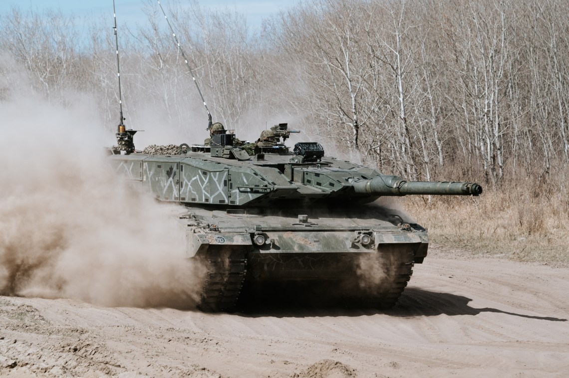 A Canadian Armed Forces Leopard 2 of Lord Strathcona's Horse drives through the training area prior the start of exercise MAPLE RESOLVE 21.