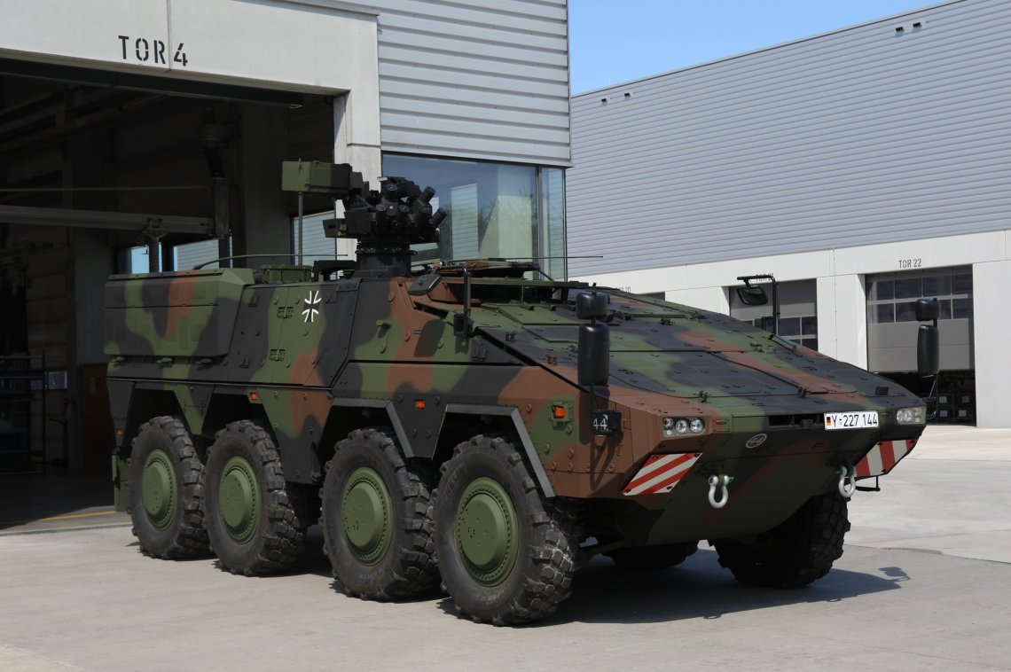 , officially handed over the last of 131 BOXER APCs of the 2nd batch in the version GTFz A2 to representatives of the German MoD, Bundeswehr and the Federal procurement agency