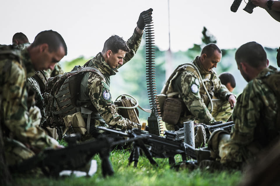 Hungarian soldiers preparing for live-fire drills during Slovak Shield (Slovenský Štít 21)