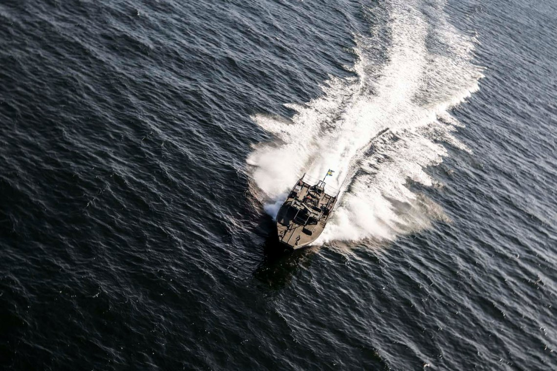 Royal Navy and Swedish Amphibious Corps Strengthen Ties on Fjord Training